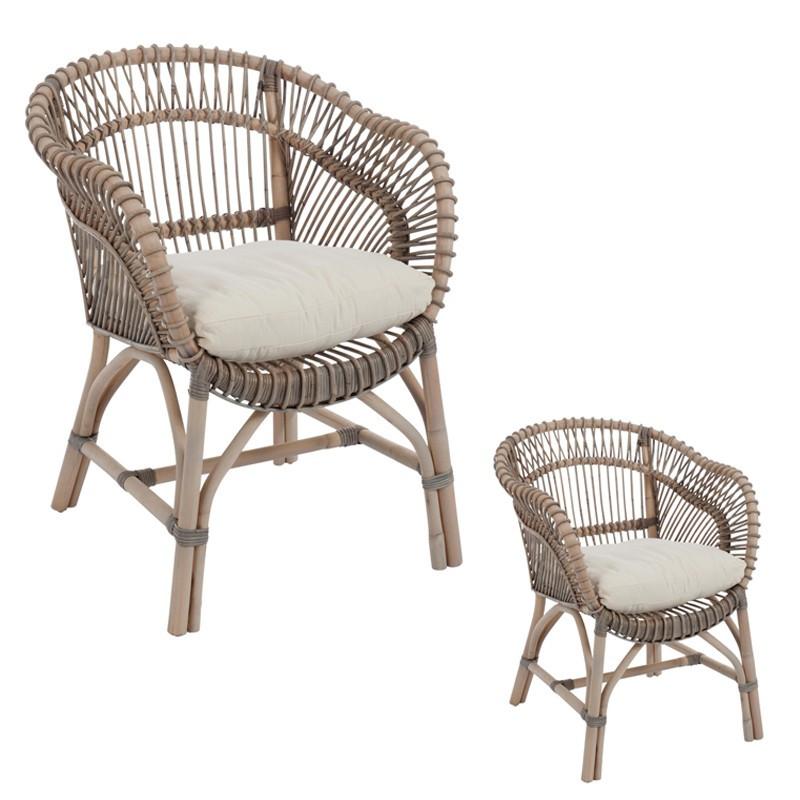 Chaise en rotin gris