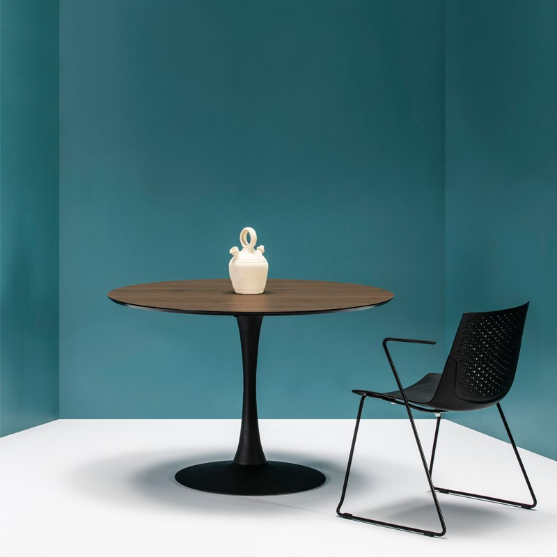 Table Ronde Noyer Noir Pied Central Still Univers Salle A Manger