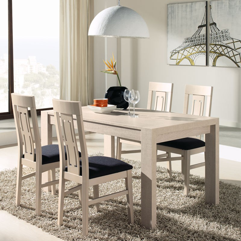 Table chaises ch ne clair afia salle manger for Decoration table de cuisine